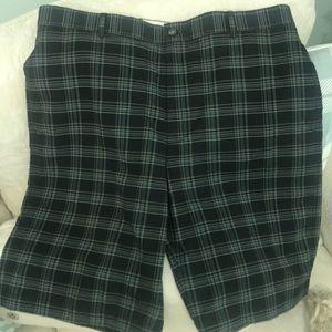 NWOT Greg Norman Mens plaid shorts